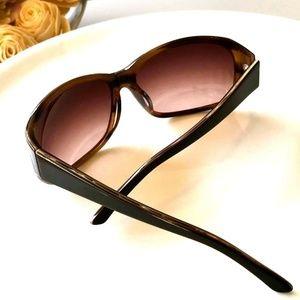 😎 Saks Fifth Ave Sunglasses